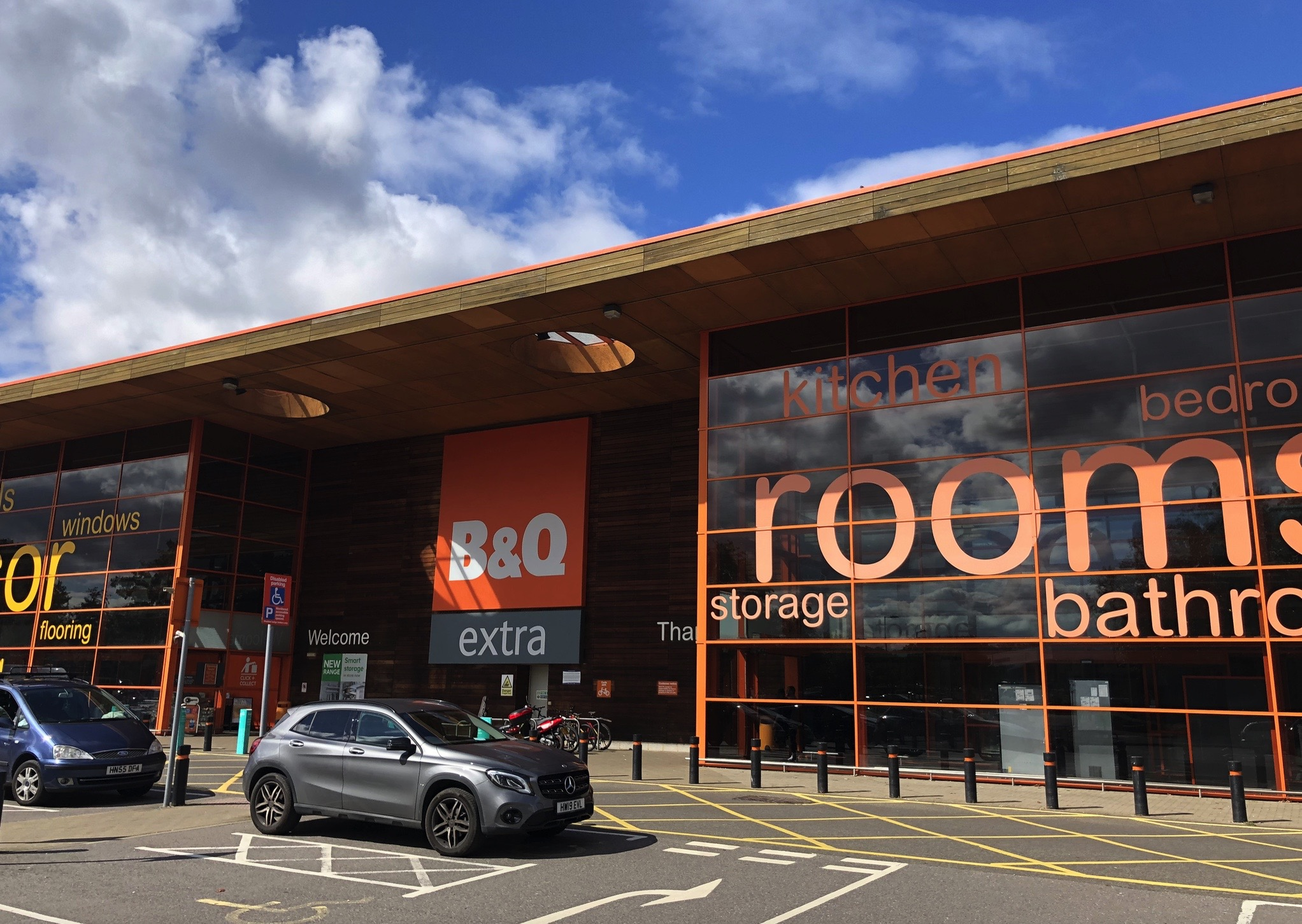 B&Q Survey reveals festive home improvement plans